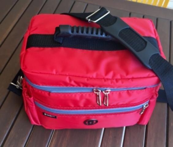 64d69ead4 Bolsa Térmica Iron Bag Pop M - Bolsas, malas e mochilas - Pituba ...