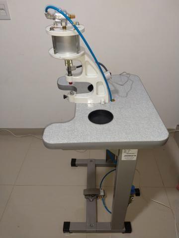 Máquina de prega botão Pneumática Metalnorte