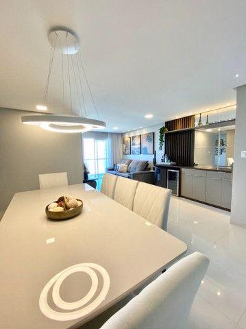 Apartamento 03 quartos sendo 01 suite vista mar em Macae - Foto 3