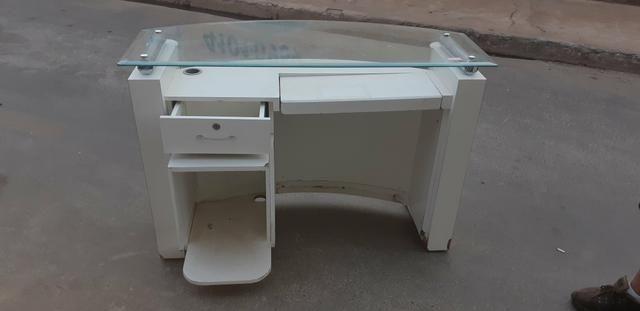 Vendo 4 escrivaninhas de vidro