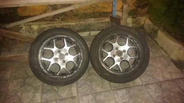 Jogo de pneus