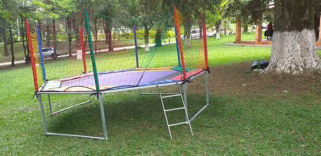 Aluguel de brinquedos , mesas cadeiras e infláveis - Foto 4