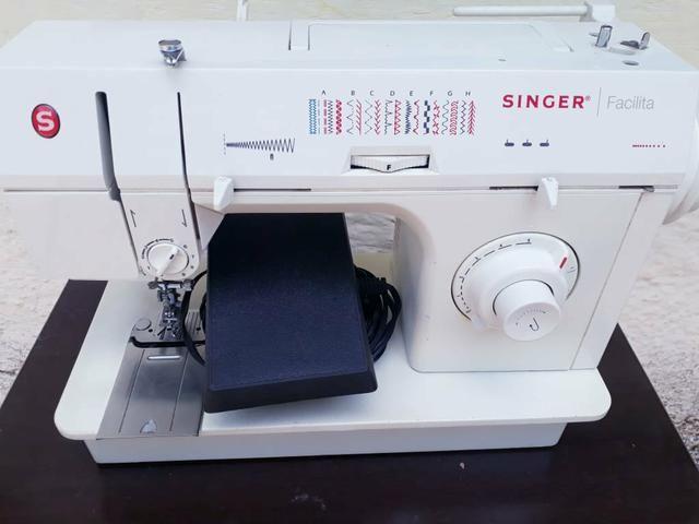 Máquina Singer Facilita - Foto 2