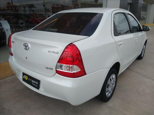 TOYOTA ETIOS 1.5 XS SEDAN 16V FLEX 4P MANUAL - Foto 4