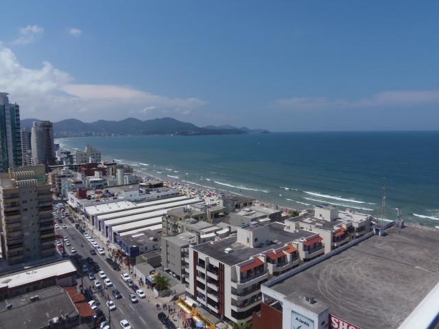 Apartamento 04 Suites _ Vista panorâmica para o mar_ Meia praia