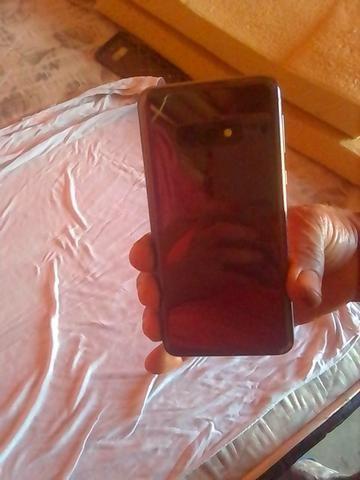 Vendo celular Samsung S10 por 3.000 preço negociável - Foto 3