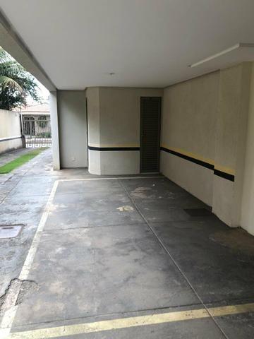 Apart 2 qts 1 suite armários ótima localização Jardim América - Foto 5