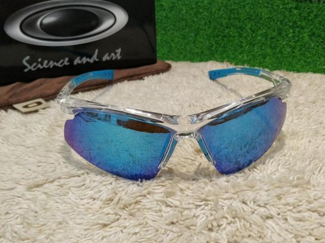 aa63fd3ab2 Óculos Oakley Esprtivo transparente com lentes azul - Bijouterias ...