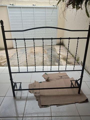 Cabeceira de casal toda em ferro perfeita para sua cama box, valor negociável  - Foto 2