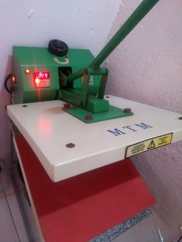 Máquina de estampa tamanho 38x38 estampa mais de 300 inté - Foto 2