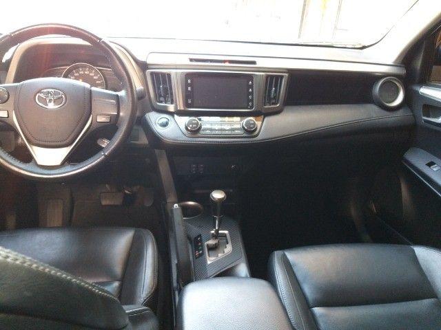 Toyota Rav4 4X4 + TGnv  troco e financio aceito carro ou moto maior ou menor valor - Foto 11