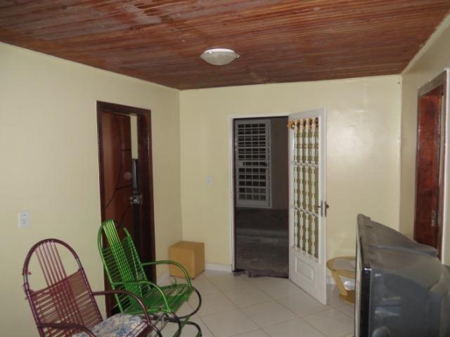 Excelente Imóvel, são três casa o mesmo lote, com renda e localização privilegiada - Foto 14