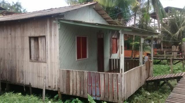 Vendo uma casa no bairro cidade nova