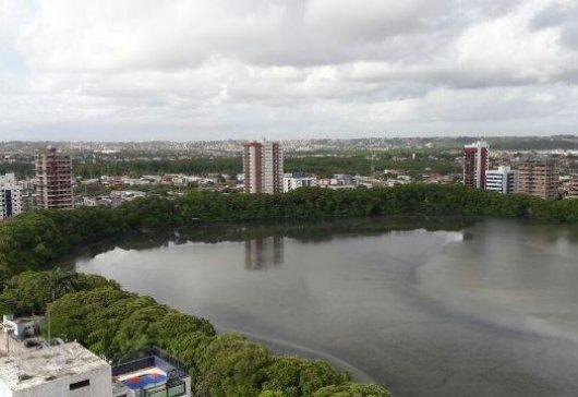 Vendo na Lagoa do Araçá AP c/ Piscina, Qdr. Poliesportiva, 2 Quartos, Armarios Embutidos