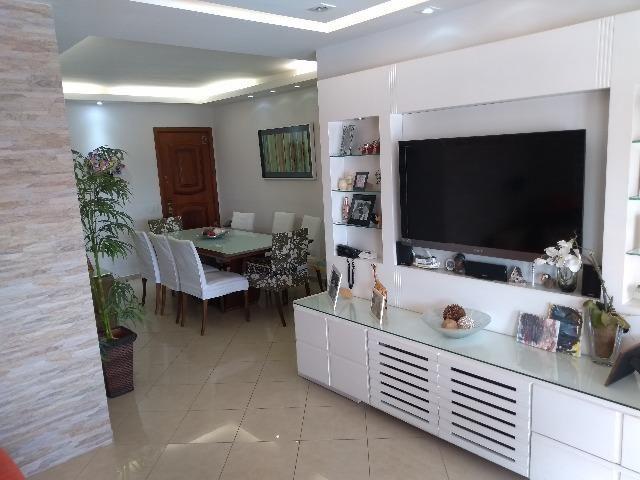 Apartamento Alto Padrão localizado na Tijuca. 3 qtos e 2 vagas garagem!