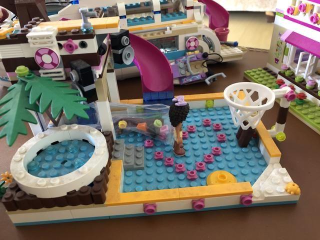 Piscina com escorregador da Lego - Foto 2