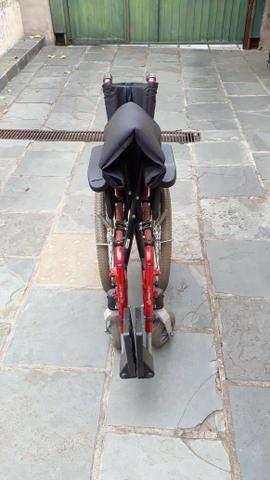Cadeira de rodas - Foto 5