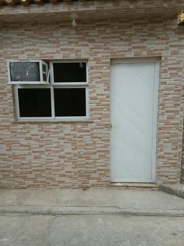Vende - se um prédio composto por 5 casas - Foto 8