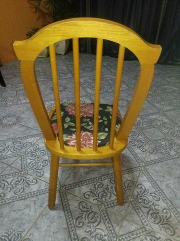 Cadeiras em madeira maciça - Foto 3