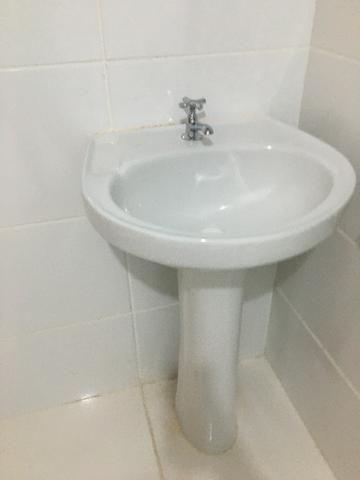 Pia NOVA p/ banheiro COM TORNEIRA