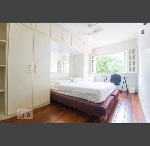 Alugo quarto em localização excelente NA ASA SUL