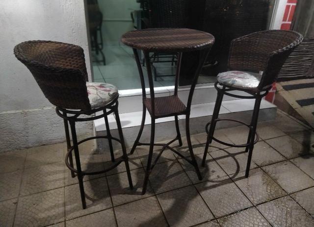 Lindas banquetas com bistrô só hoje R$199
