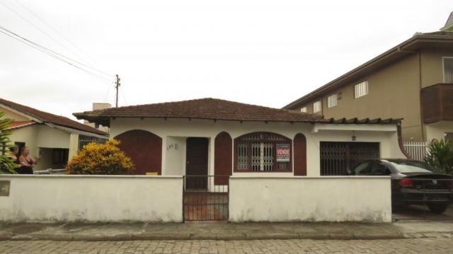 Casa à venda com 3 dormitórios em Bucarein, Joinville cod:2201