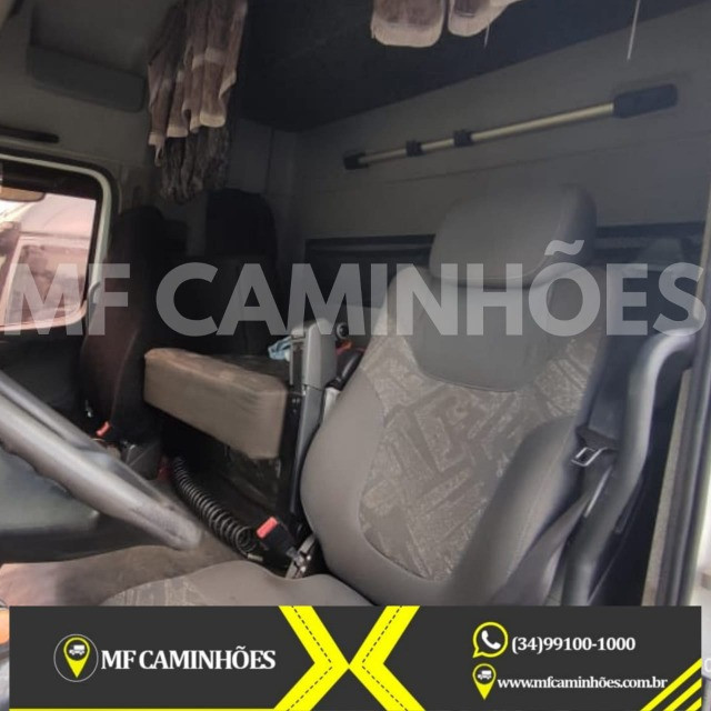 Mb Axor 2544 6x2 Teto Alto 15/2016 Baixo km Canelinha - Foto 13