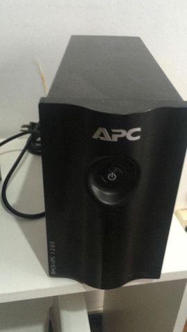 Nobreak APC 1200 VA e Estabilizador TS Shara 300