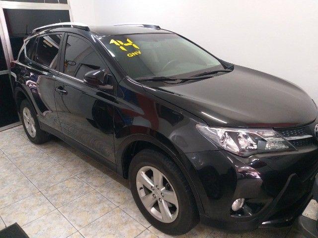 Toyota Rav4 4X4 + TGnv  troco e financio aceito carro ou moto maior ou menor valor - Foto 10