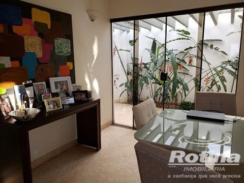 Casa à venda, 3 quartos, 1 suíte, 5 vagas, Vigilato Pereira - Uberlândia/MG - Foto 3
