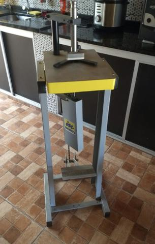 Grampeador Pedal para Molduras Inmes