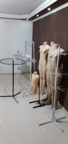 Manequins, cabide e araras - Foto 3