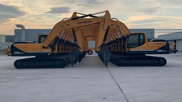 Escavadeira Hyundai R220LC-9 - Foto 3