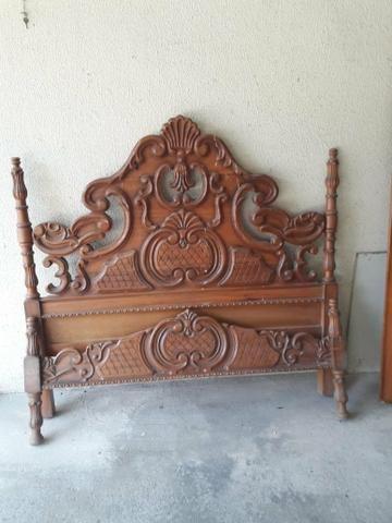 Cama e cômoda de madeira entalhados - Foto 4