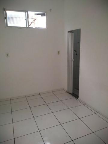 Alugo Casa com Piscina 800 R$ - Centro de Nilópolis - Foto 7