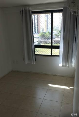 Alugo apartamento na Ponta do Farol, 2 quartos, projetados - Foto 4