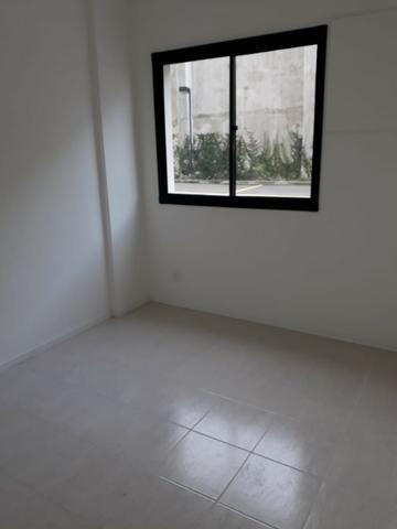 Del Castilho, 2 quartos com suíte, varanda, lazer, junto ao Nova América! - Foto 15
