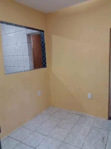 Aluga-se casa 2 quartos sendo uma suite - Foto 2