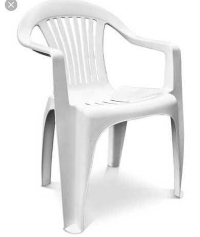 2 Cadeiras em Plástico Branca - Usada
