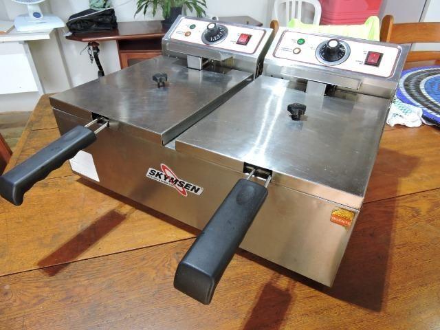 Fritadeira Elétrica Skymsen Mod FED-20-N 2 Cubas de 6Litros 57e384f61b8ce