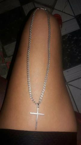 d644f6785d Cordão de prata com crucifixo - Bijouterias