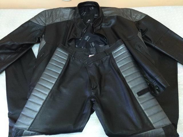 Conjunto calça e jaqueta 100% couro