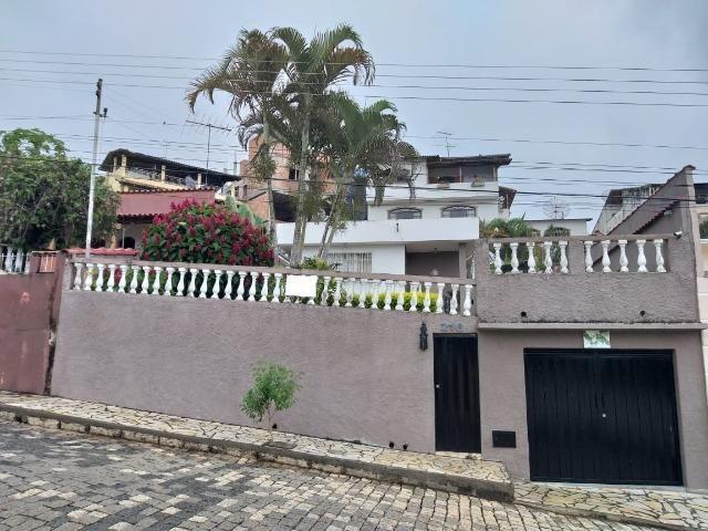 Vendo - Casa em São Lourenço-MG com três dormitórios