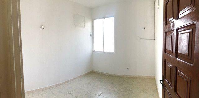 Apartamento Cond. Senador João Bosco, Flores - Foto 11