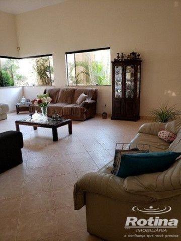 Casa à venda, 3 quartos, 1 suíte, 5 vagas, Vigilato Pereira - Uberlândia/MG - Foto 4