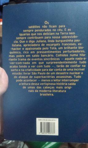 Livro A Órbita dos Caracóis - Foto 3