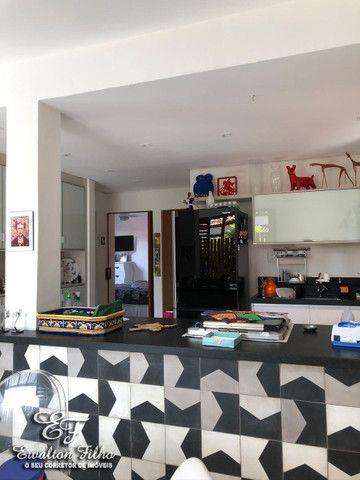 Casa Triplex Com 5 Quartos Sendo 4 Suítes e Cobertura Gourmet - Foto 4