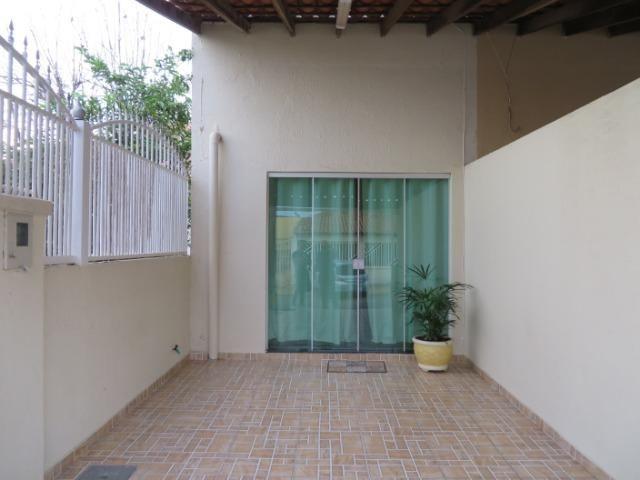 Excelente Imóvel, são três casa o mesmo lote, com renda e localização privilegiada - Foto 5