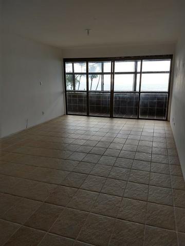 Apartamento na Beira Mar de Piedade com 4 Quartos sendo 1 Suíte - Foto 10